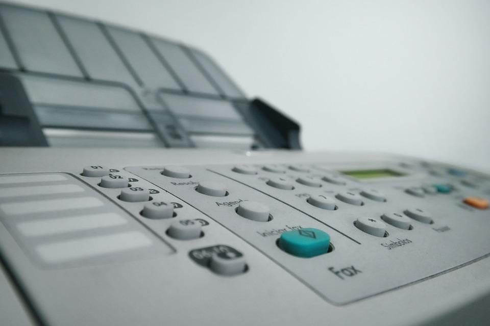 dobra wielofukncyjna drukarka laserowa